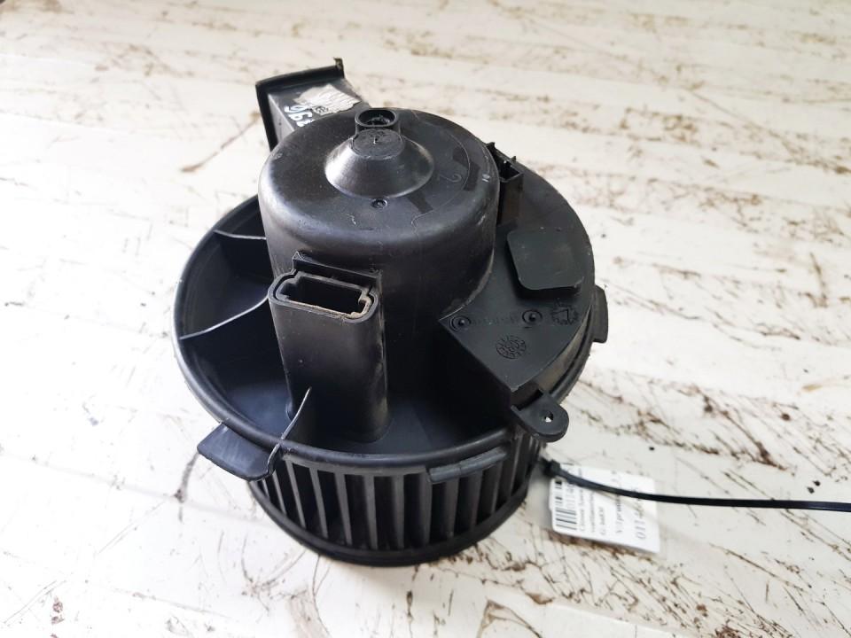 Salono ventiliatorius Citroen Xsara Picasso 2005    1.6 b6830