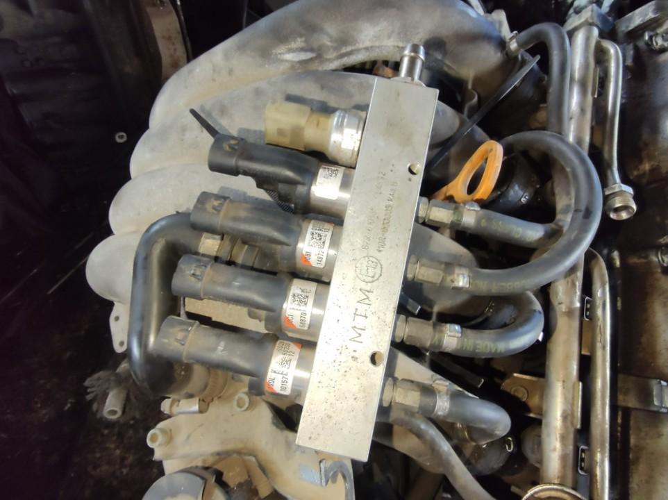 Duju purkstukai Volkswagen Passat 1999    1.8 67r010185