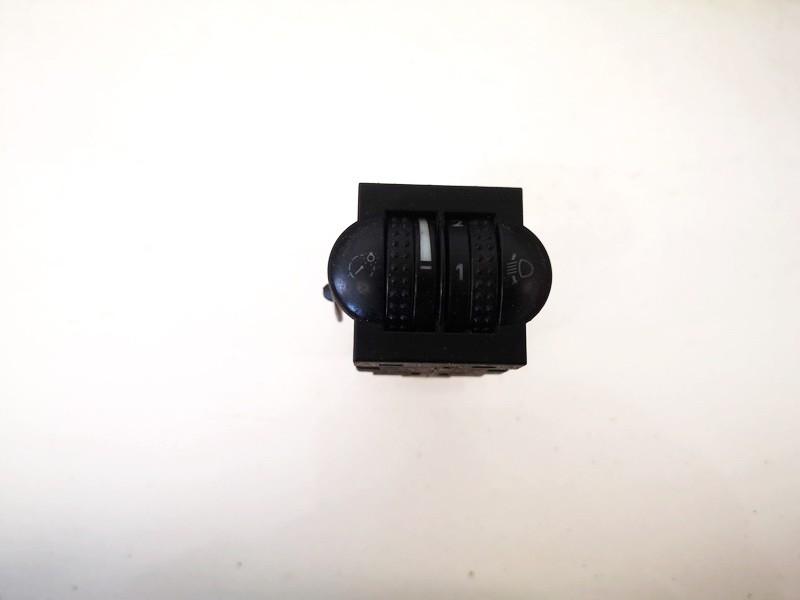 Zibintu aukscio reguliatoriaus mygtukas Volkswagen Passat 1998    1.8 3b0941333c