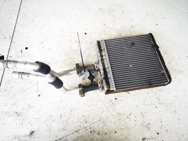 Salono peciuko radiatorius Opel Zafira 2001    2.0 0243250