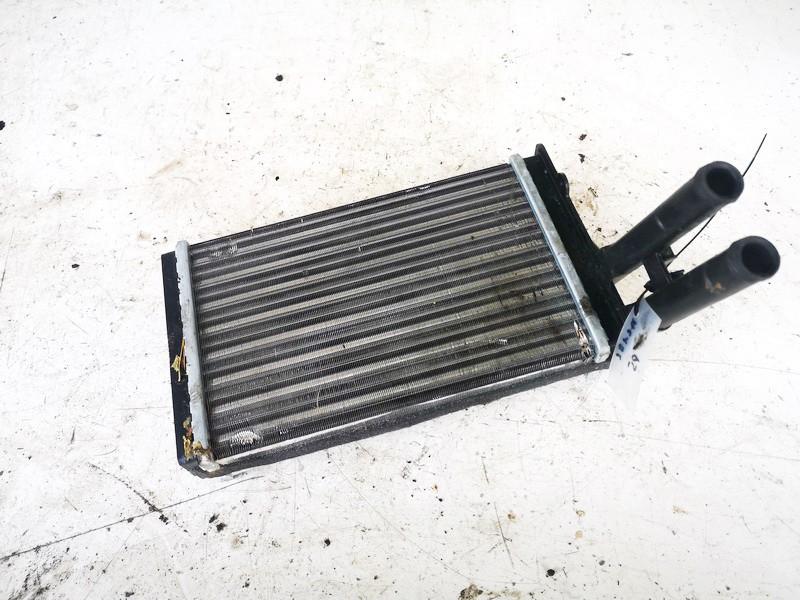 Salono peciuko radiatorius Audi 80 1993    1.9 nrf2002303