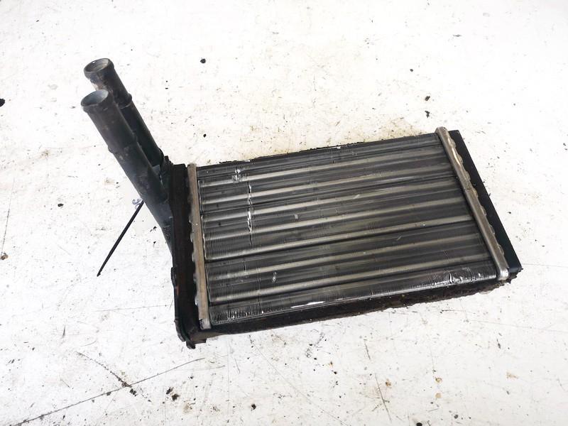 Salono peciuko radiatorius Volkswagen Passat 1998    1.8 8d1819031a