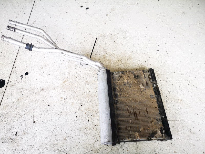 Salono peciuko radiatorius BMW 5-Series 1998    2.5 641183738409