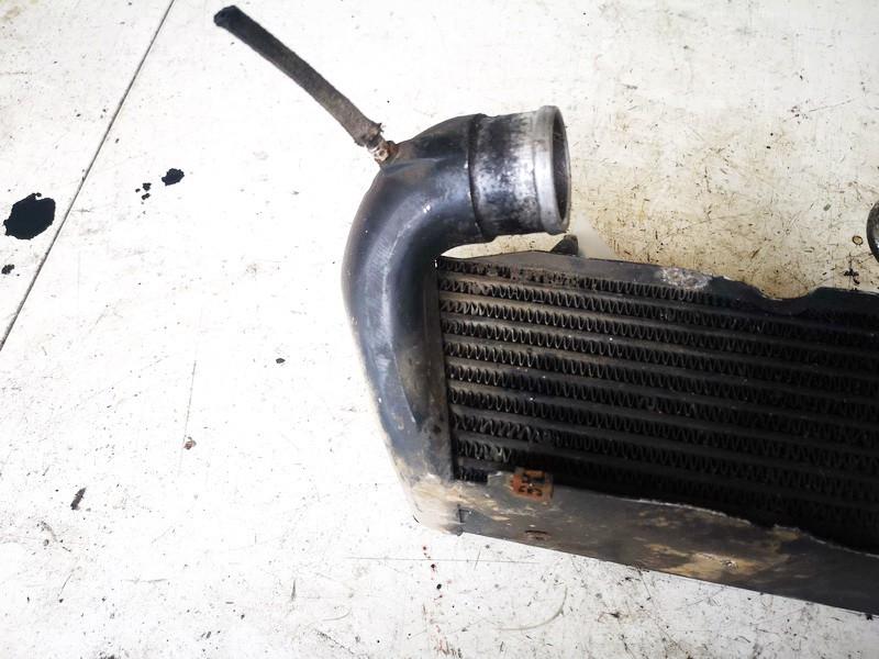 Interkulerio radiatorius Audi 80 1993    1.9 028145805