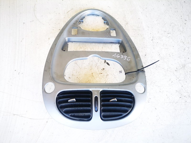 Salono apdaila (plastmases) Citroen Xsara Picasso 2005    1.6 9631315877