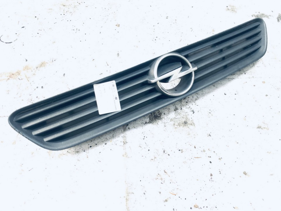 Front hood grille Opel  Astra