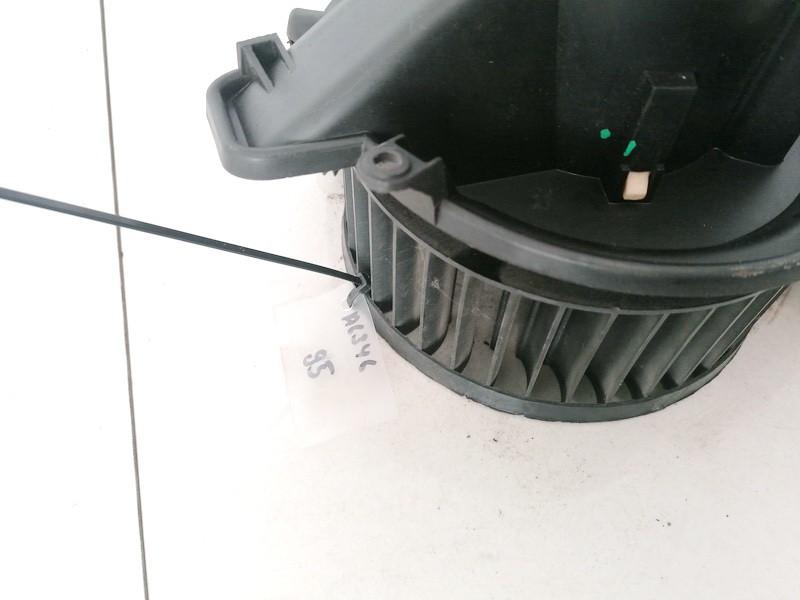 Salono ventiliatorius Opel Zafira 2001    2.0 90437892