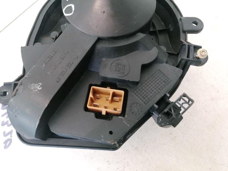 Salono ventiliatorius Volkswagen Passat 1998    1.8 740221233F