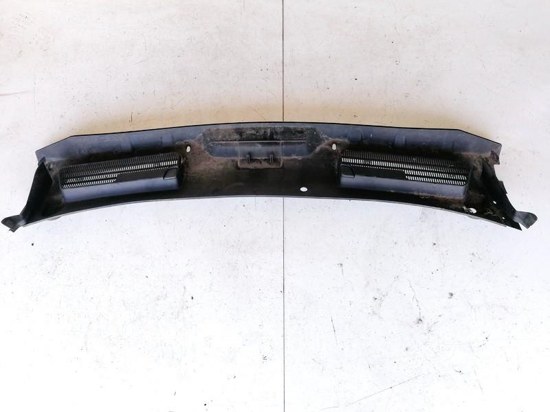 Valytuvu apdailos plastmase P. Ford Kuga 2010    0.0 8V41S02216