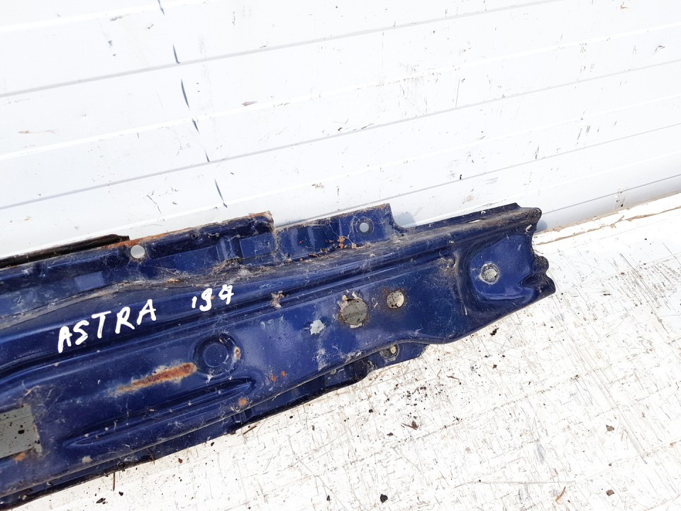 Bamperio balkis (sutvirtinimas) P. Opel Astra 1997    0.0 used