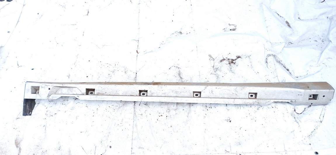 Plastmasinis slenkstis desinys Opel Vectra 2004    2.2 used