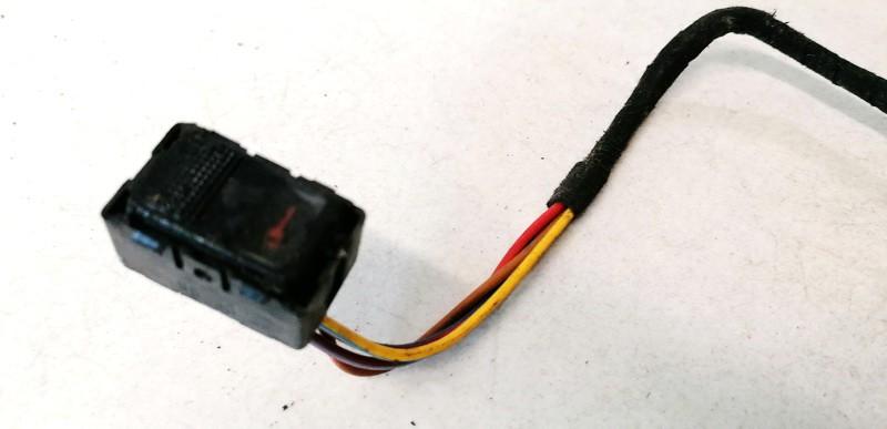 Duru uzrakto mygtukas Audi A3 1999    1.9 8l0962107