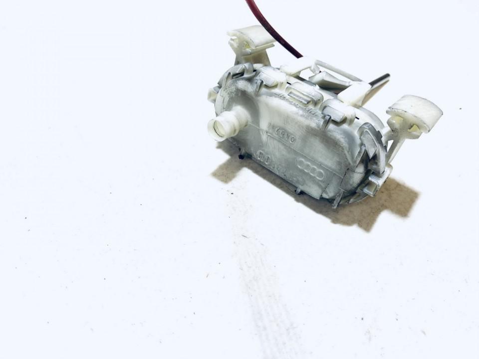 Duru uzrakto vakuumine pompele Audi A3 1997    1.8 8L0862153