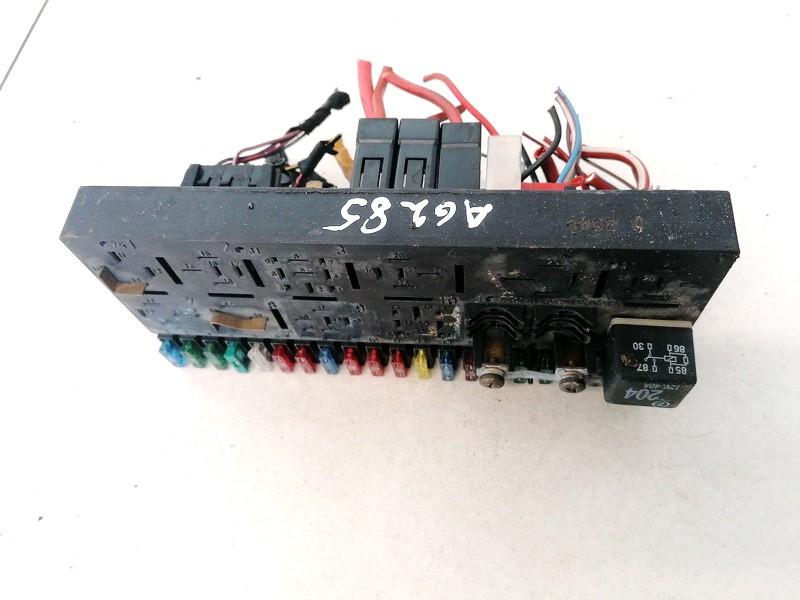 Блок предохранителей 443941822A 2284 Audi 80 1993 1.9