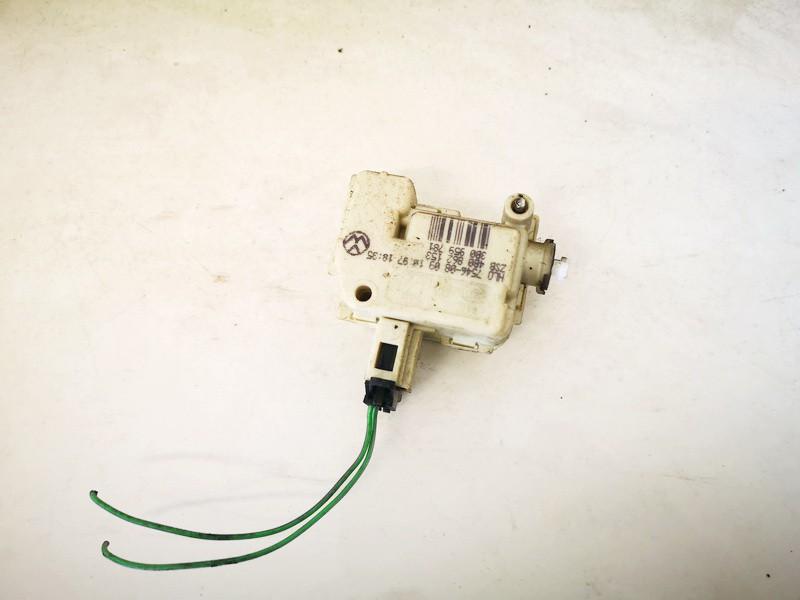 Audi  A6 Kuro bako dangtelio varikliukas (uzrakto varikliukas)