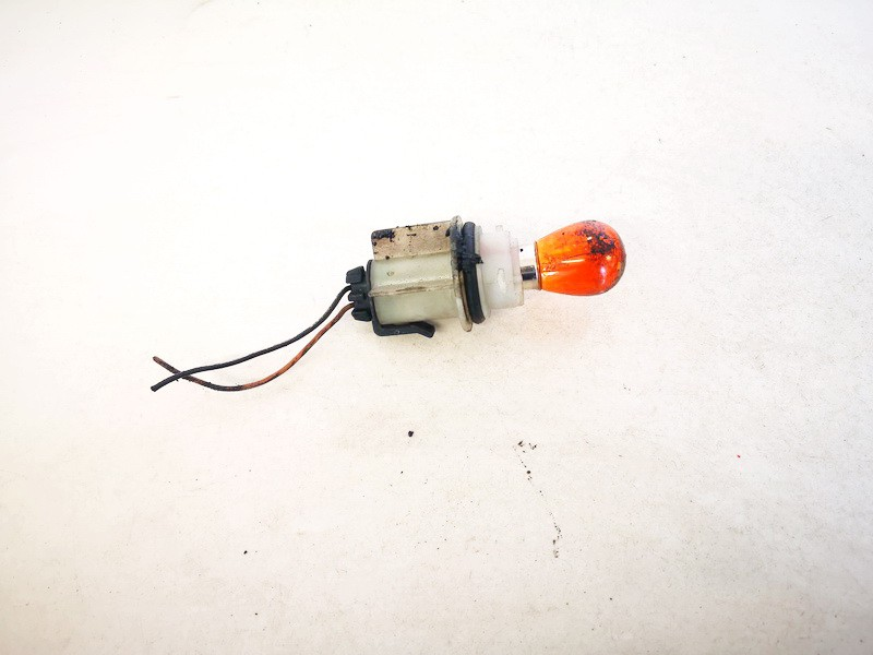 Front Indicator Bulb Holder Audi A6 1998    1.8 used