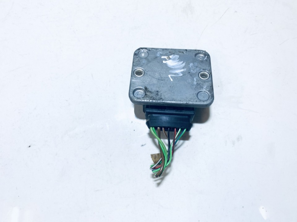 Ignition Control Module Volkswagen Jetta 1990    1.6 191905351b