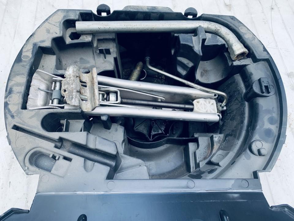 Irankiu komplektas Volkswagen Polo 2006    1.2 6q0012115f