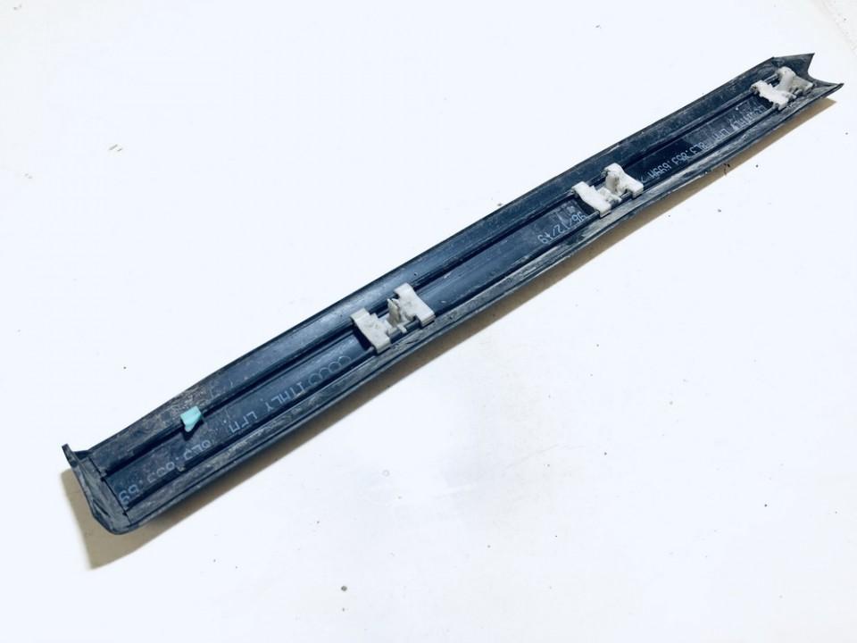 Sparno moldingas G.K. Audi A3 1997    1.9 8l3853699a