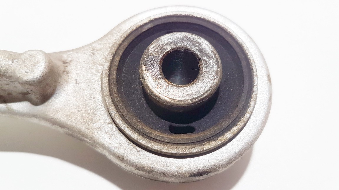 Virsutine sake P.D. Audi A6 1998    1.9 used