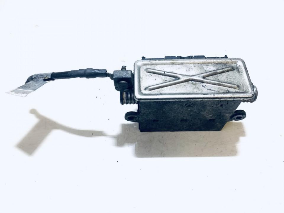 Ausinimo skyscio pasildytojas (Vandens sildytuvas) BMW 3-Series 2002    2.0 64126918806
