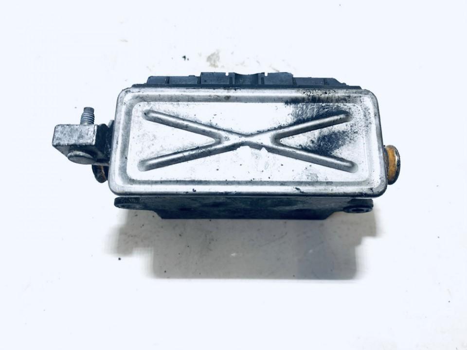 Ausinimo skyscio pasildytojas (Vandens sildytuvas) BMW 3-Series 2002    2.0 used