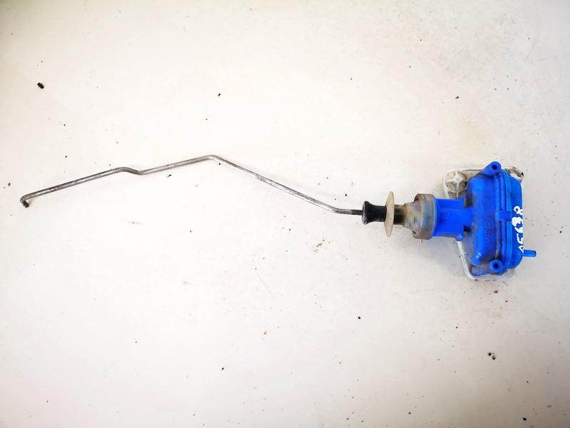 Duru uzrakto vakuumine pompele Audi 80 1994    1.6 893862123