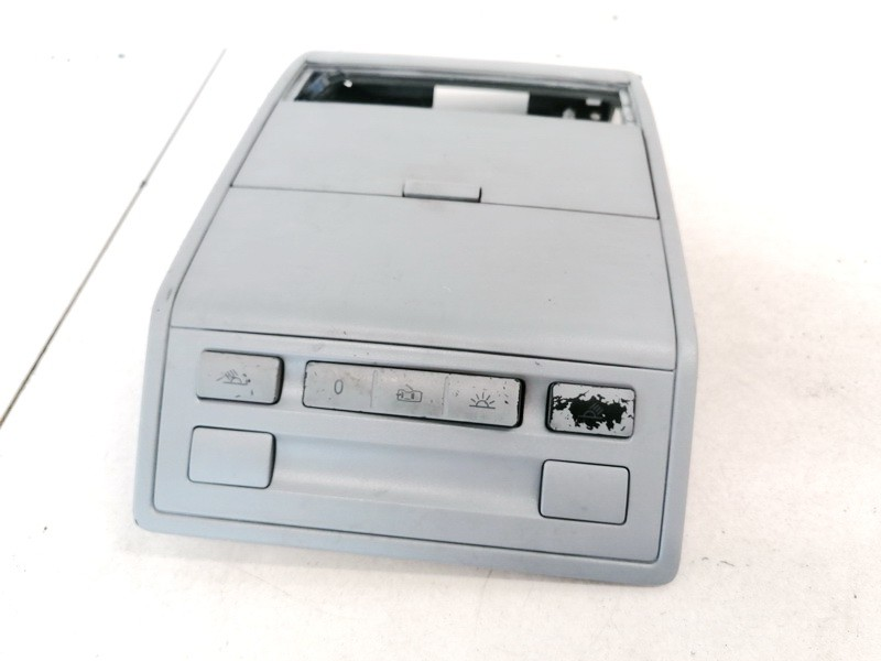 Duru uzrakto mygtukas Volkswagen Touareg 2005    2.5 7L6868349