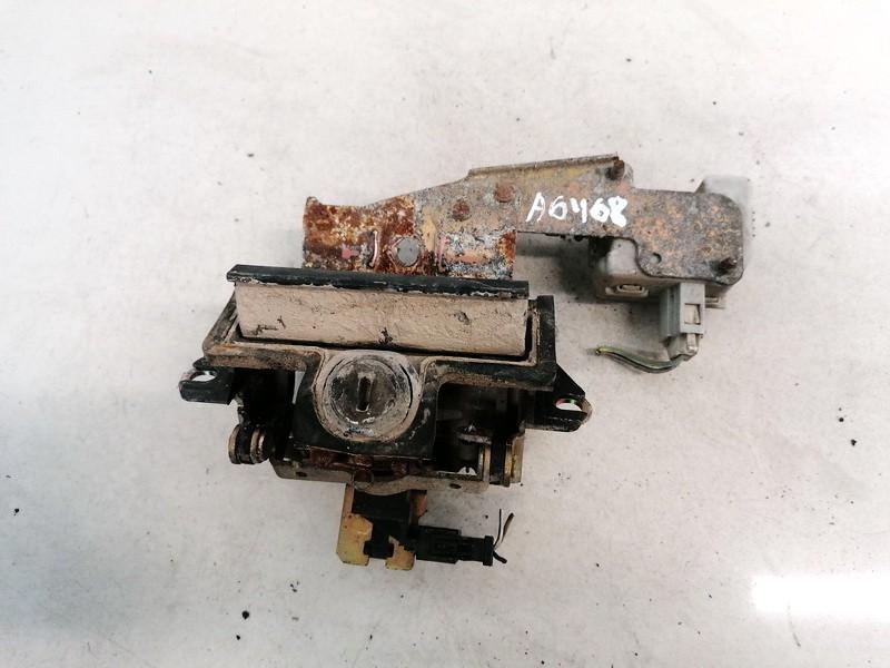 Galinio Dangcio spynele G. (kapoto) Skoda Octavia 2001    1.9 USED