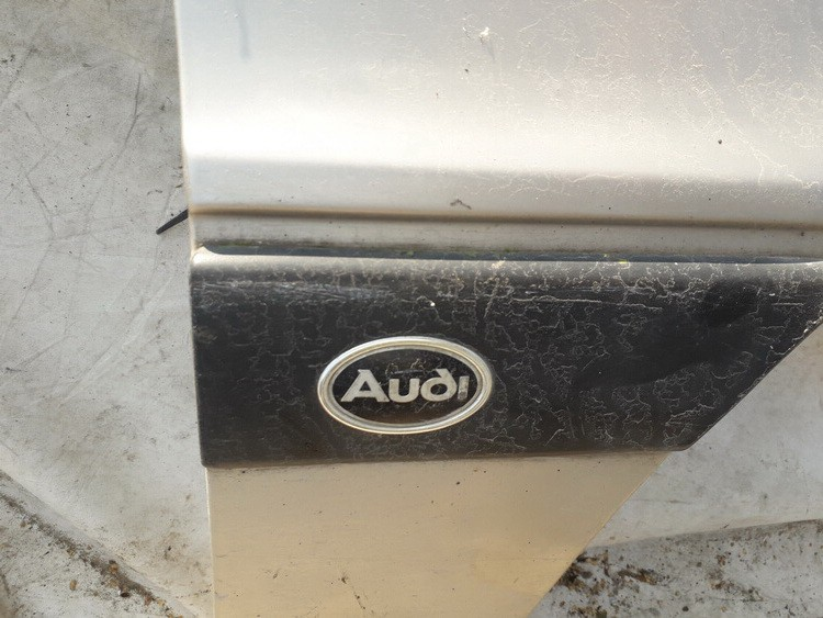 Sparno moldingas P.D. Audi 80 1988    1.8 USED