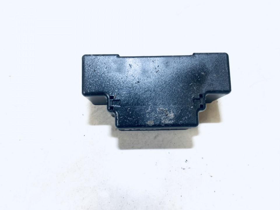 13129783 74338300 Fuse box Opel Astra 2005 1.7L 9EUR EIS01176469