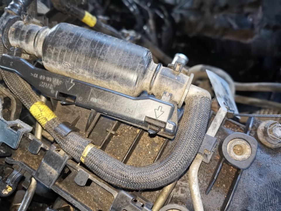 Fuel Primer Bulb Hand Pump Peugeot Partner 2007    1.6 used