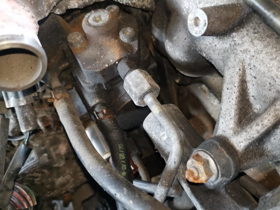Kuro siurblys Mazda MPV 2003    2.0 rf5c13800