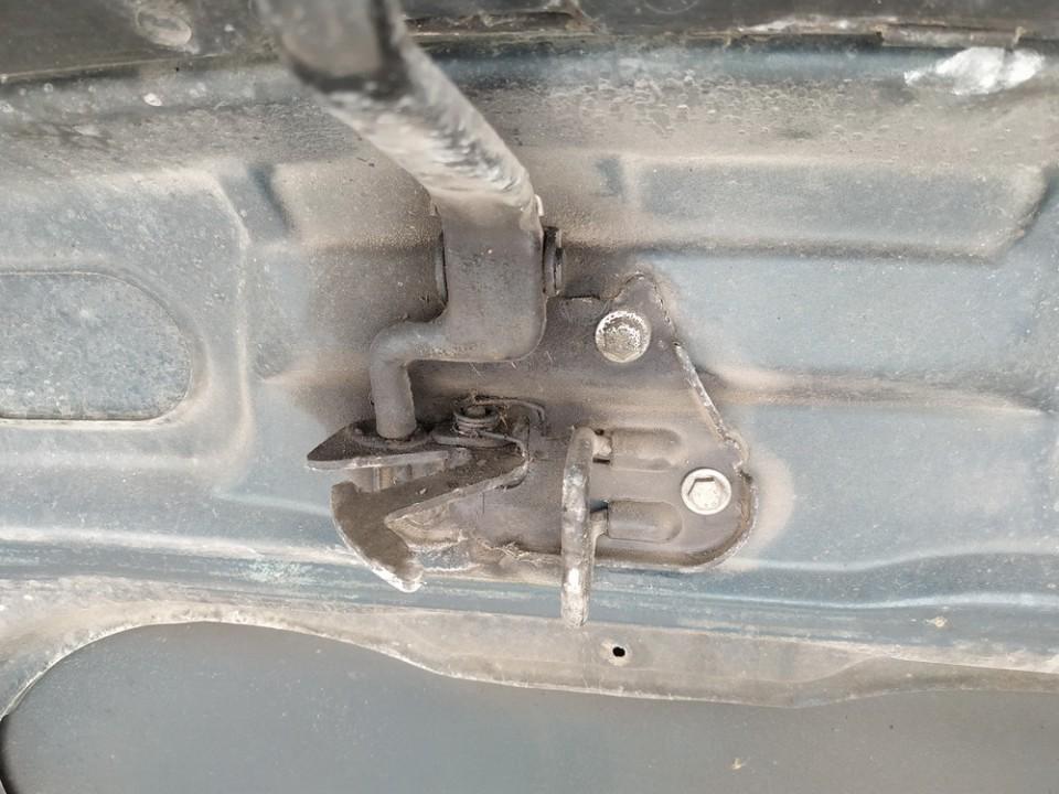 Kapoto atidarymo rankenele Audi A4 1995    1.8 used