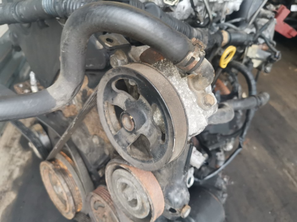 Vairo stiprintuvo siurblys Toyota Corolla Verso 2004    2.0 used