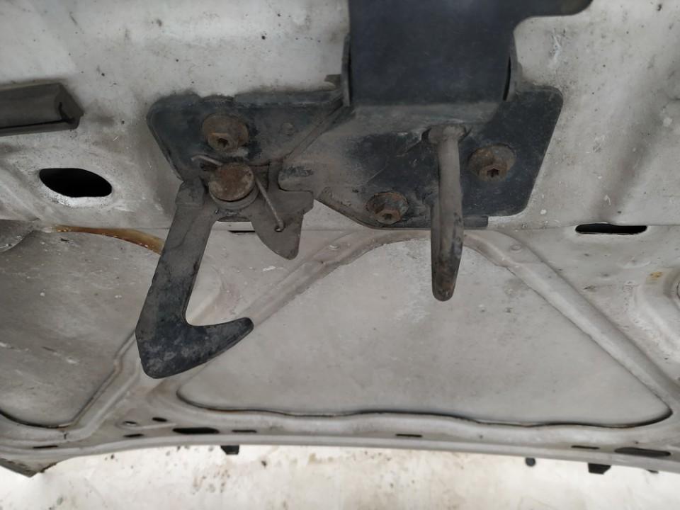 Kapoto atidarymo rankenele Volkswagen Polo 2006    1.2 used