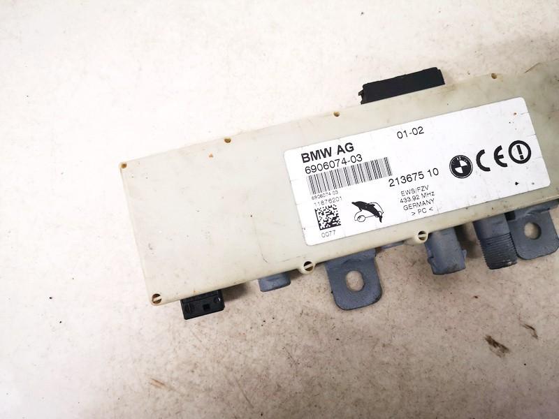 Antenos blokelis BMW 3-Series 2004    0.0 690607403
