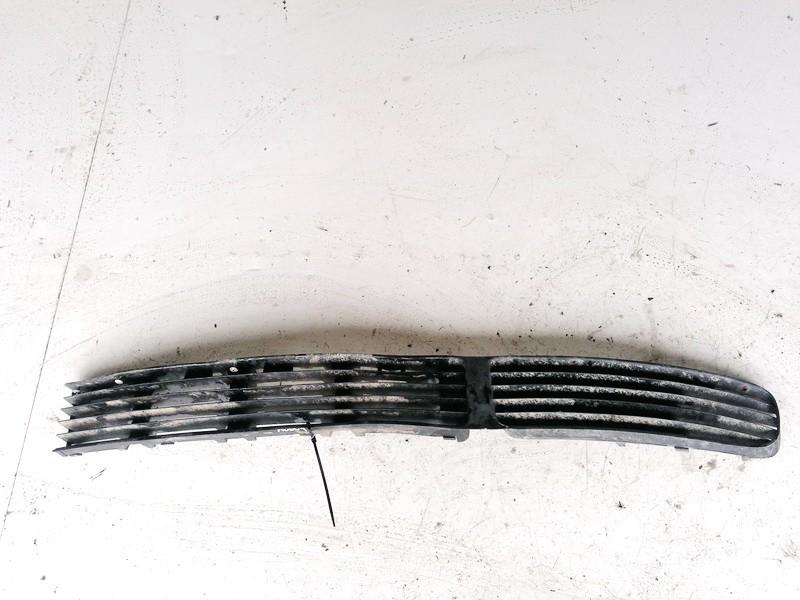 Bamperio groteles vidurines Volkswagen Passat 1998    1.9 3B0853677A