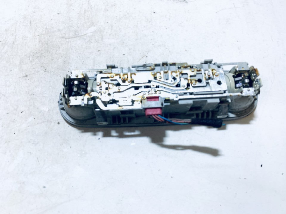 Salono apsvietimo jungiklis G. Audi A4 2010    2.0 8t0947111