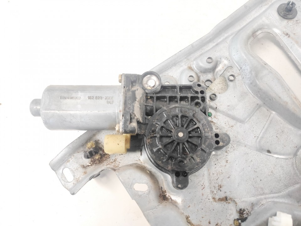 Duru lango pakelejo varikliukas G.D. Renault Laguna 1999    1.8 0130821641