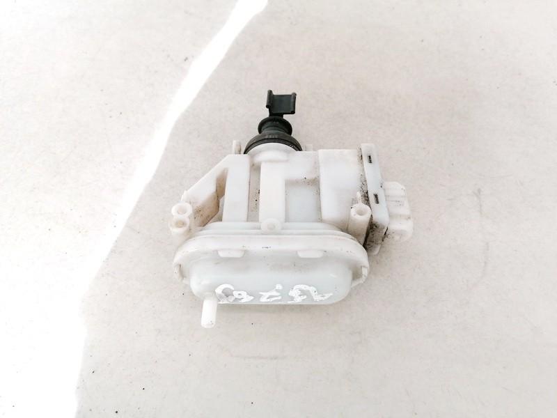 Centrinio duru uzrakto varikliukas Volkswagen Passat 1992    1.9 357862153C