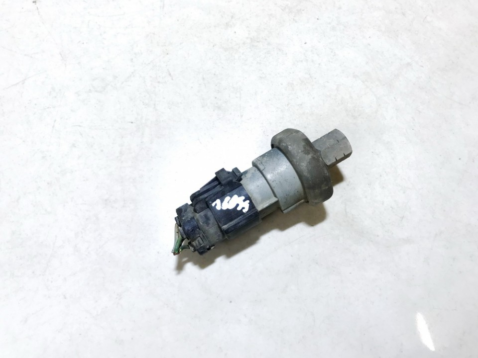 Pressure Switch, air conditioning AC Pressure Switch Control Ford Focus 2000    2.0 f42h19d594aa