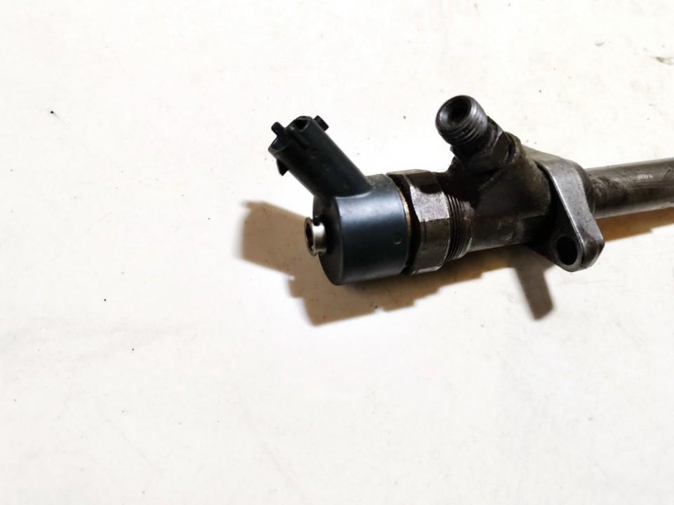 Fuel Injector Citroen C5 2006    2.2 0445110036