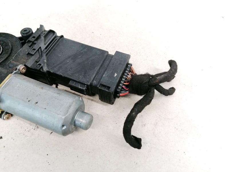 Duru lango pakelejo varikliukas P.D. Volkswagen Passat 1999    1.9 119090XXX