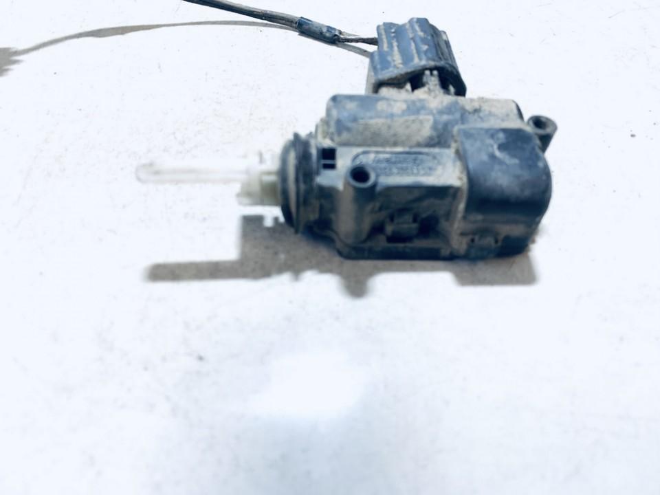 Centrinio duru uzrakto varikliukas Ford Focus 2007    1.4 used