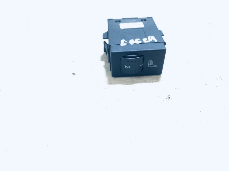 Sedyniu sildymo mygtukas Ford Focus 2007    1.4 3m5t19k314ad