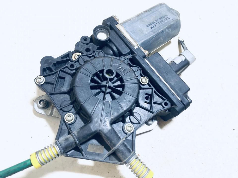 Duru lango pakelejo varikliukas G.D. Lancia Phedra 2005    2.0 32261604