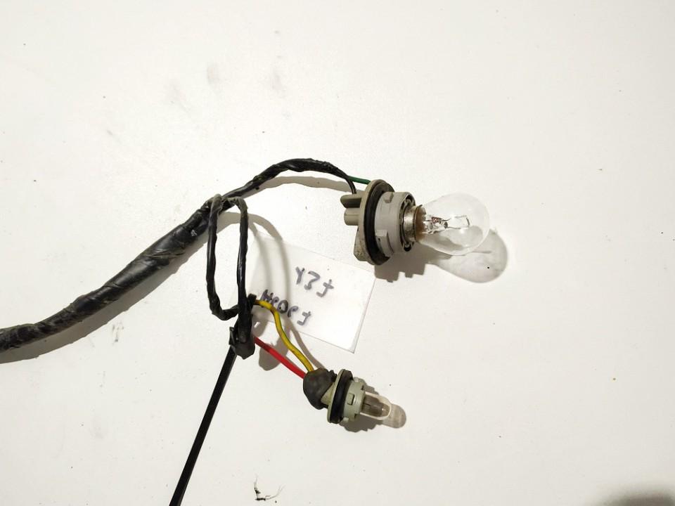 Front Indicator Bulb Holder Mazda 323F 1998    1.5 used