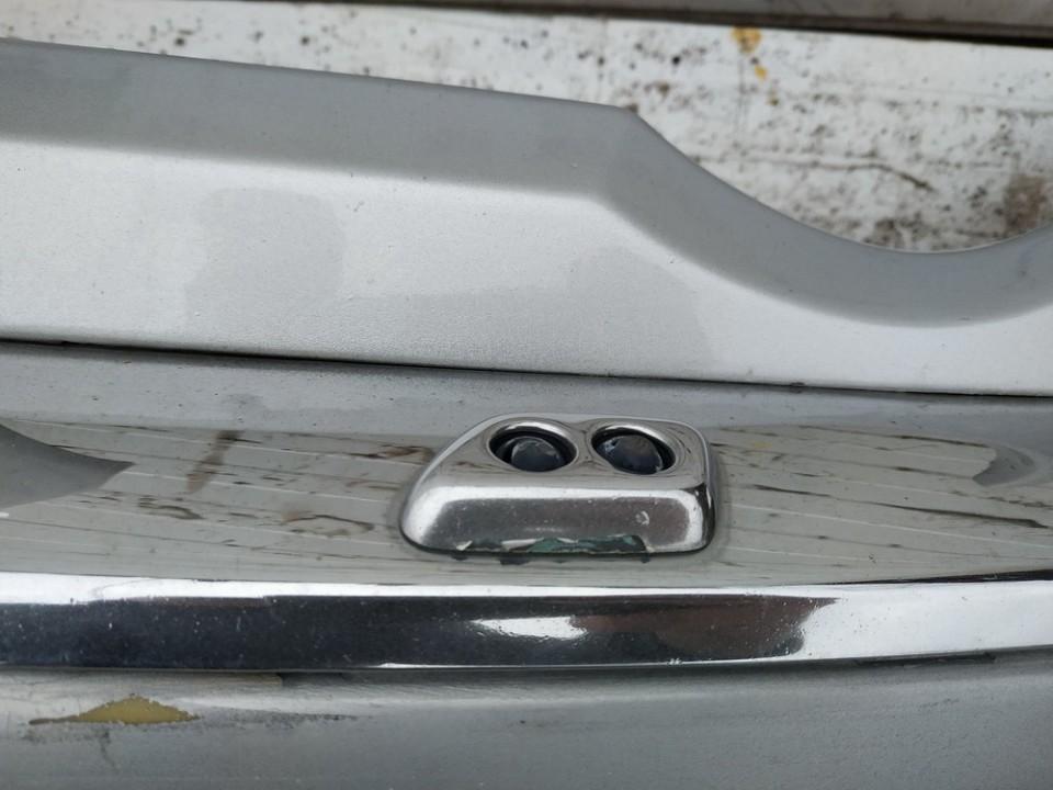 Zibintu apiplovejas P.K. Chrysler 300C 2005    3.0 used