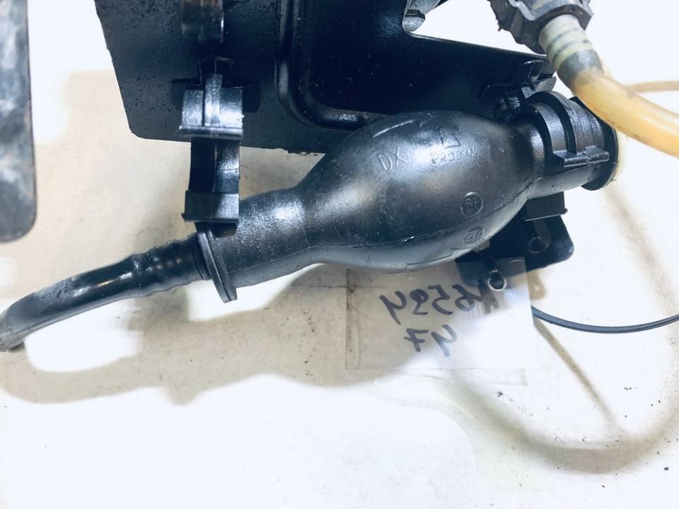 Fuel Primer Bulb Hand Pump Renault Laguna 1998    1.9 used